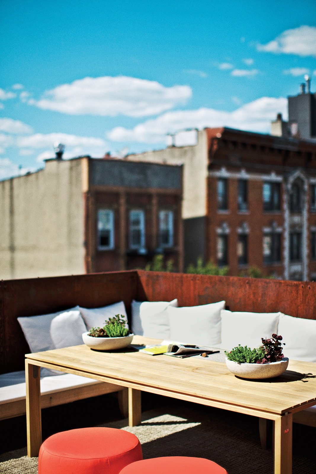 #outdoor #rooftop #table #dining #Summer #chair #Brooklyn #tabletop  Photo by Paul Barbera  Outdoor by Dwell