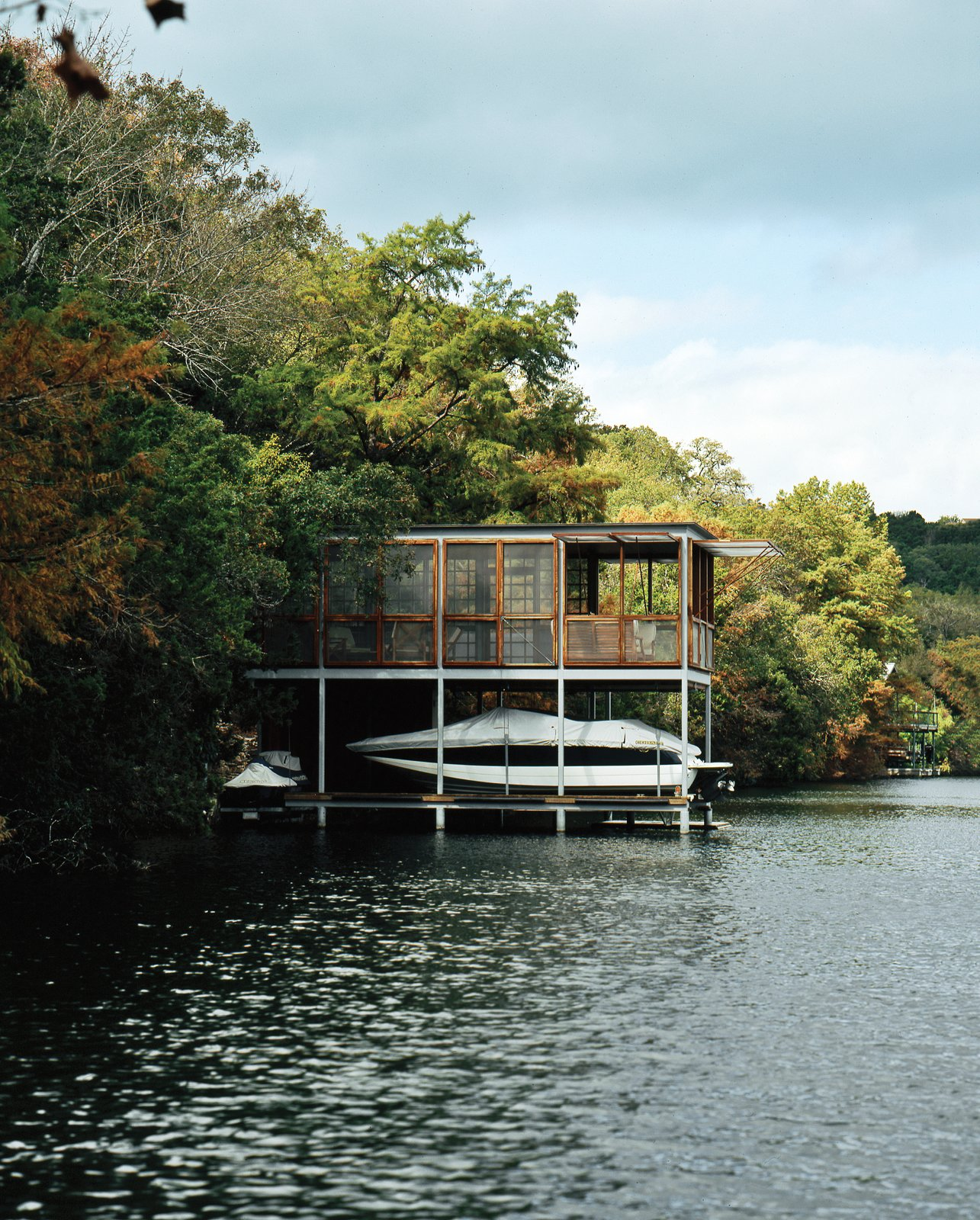 #outdoor #boathouse #lake #Texas #prefab #open #green  Photo by Paul Bardagjy Outdoor by Dwell