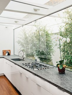 "15 Flower Arrangements That Will Brighten Your Home on Valentine's Day - Photo 2 of 12 - #kitchen<span> <a href=""/discover/renovation"">#renovation</a></span><span> <a href=""/discover/LosAngeles"">#LosAngeles</a></span><span> <a href=""/discover/courtyard"">#courtyard</a></span><span> <a href=""/discover/indoor"">#indoor</a></span><span> <a href=""/discover/outdoor"">#outdoor</a></span><span> <a href=""/discover/white"">#white</a></span><span> <a href=""/discover/open"">#open</a></span><span> <a href=""/discover/light"">#light</a></span><span> <a href=""/discover/skylight"">#skylight</a></span><span> <a href=""/discover/orchid"">#orchid</a></span><span> <a href=""/discover/bamboo"">#bamboo</a></span>"