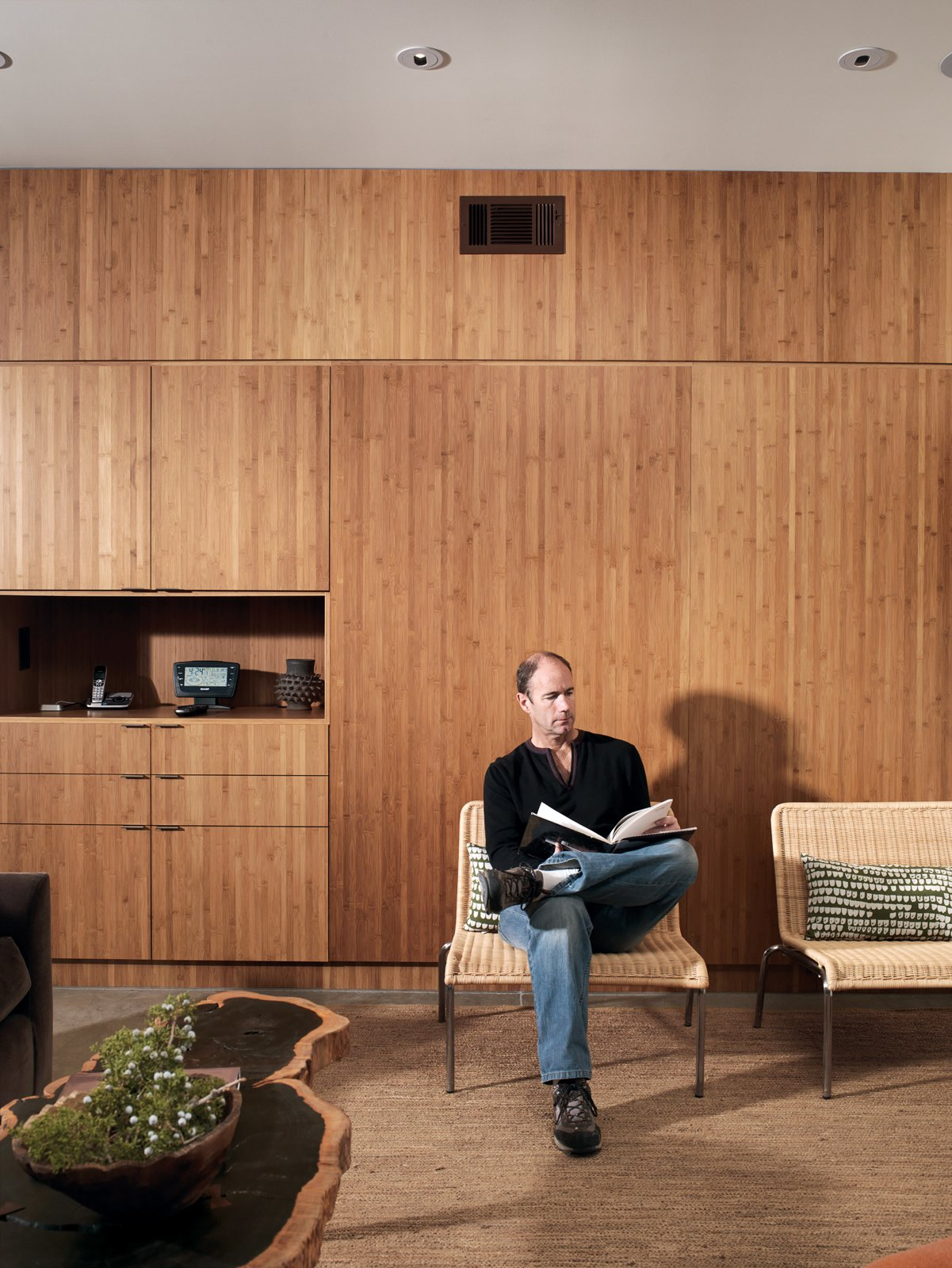 #seatingdesign #interior #inside #indoor #Plyboo #wall #coffeetable #livingroom #reading #wood  100+ Best Modern Seating Designs by Dwell