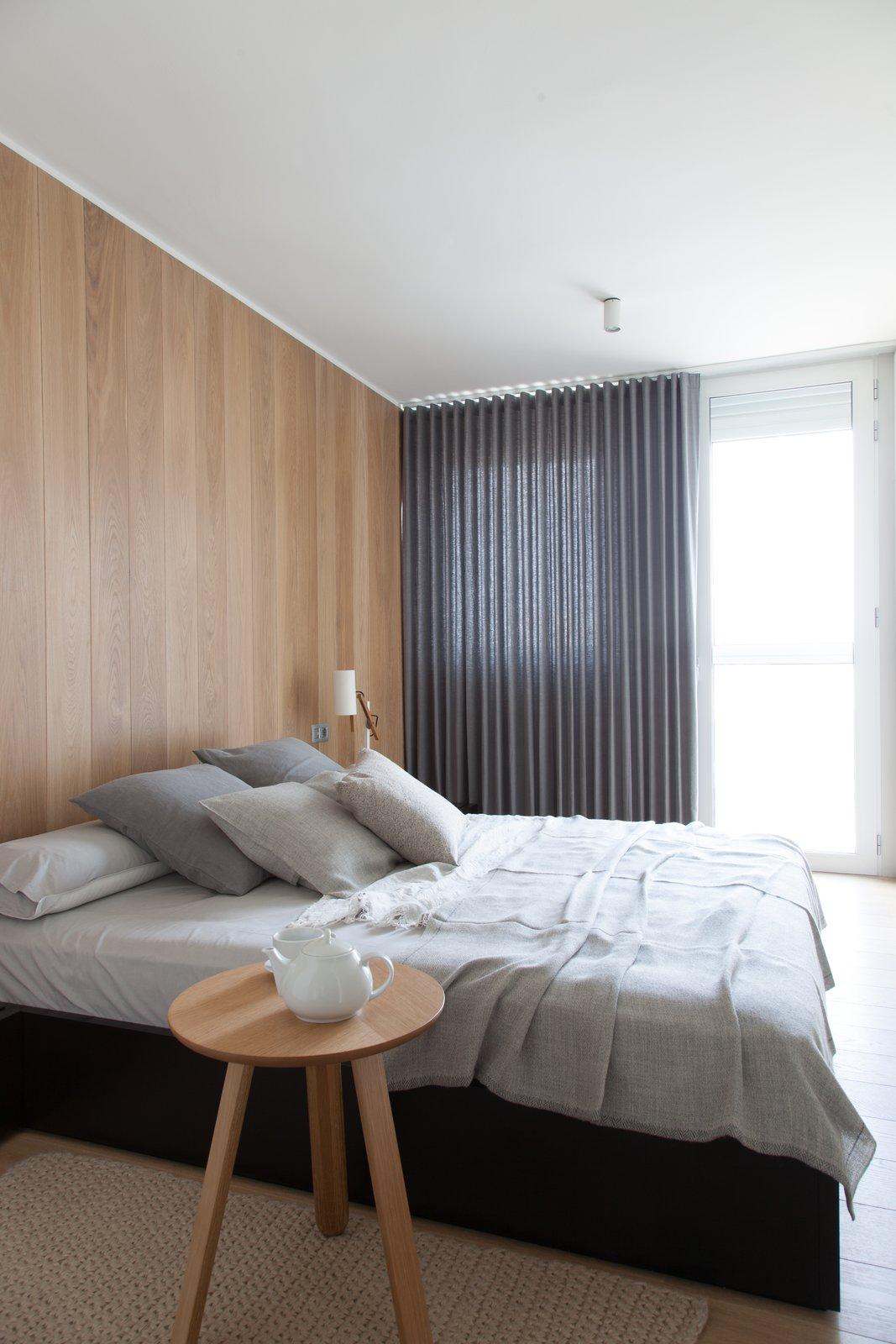 #bedroom #modern #architecture #modernarchitecture #bed #minimal #linen #renovation #Barcelona #Spain #YLABArquitectosBarcelona