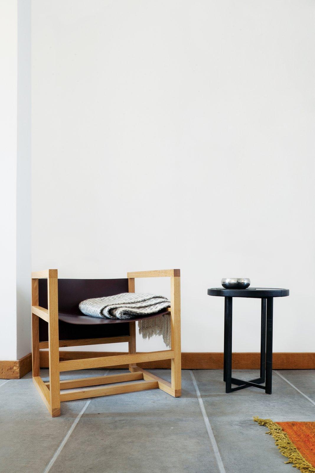 #seatingdesign #seating #modern #Belgium #chair #table #Verheyden #livingroom #interior #indoor #inside #rug #minimalist   Photo by Tim Van de Velde  100+ Best Modern Seating Designs by Dwell