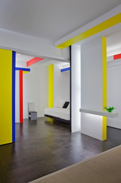 Taking cues from Piet Mondrian's iconic Broadway Boogie Woogie painting, architect and critic Joseph Giovannini recasts a New York City studio apartment.
