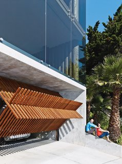 Striking Slatted Wood and Glass Home in San Francisco - Photo 7 of 17 -