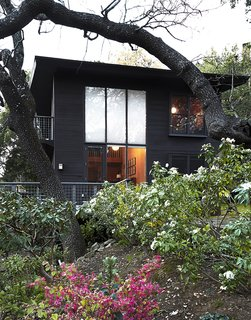 Looking Good for Over 70 Years: This Cozy Joseph Esherick Home is Amazingly Well-Preserved - Photo 1 of 7 -
