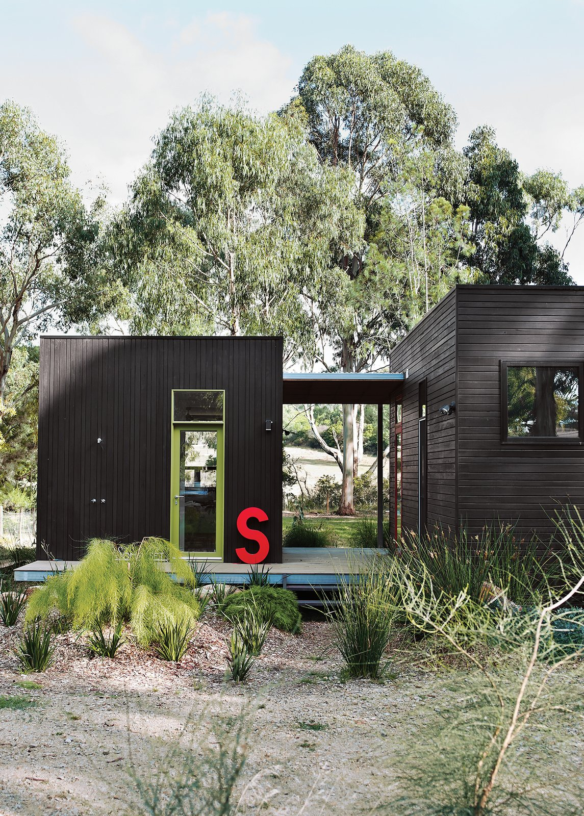 For her family's house near Melbourne, Anna Horne created a series of prefab wood modules using a design from the company Prebuilt. She found the old industrial letter at a factory; it stands for Somerset, the name of the house. The Best Prefab Homes in Australia - Photo 6 of 11