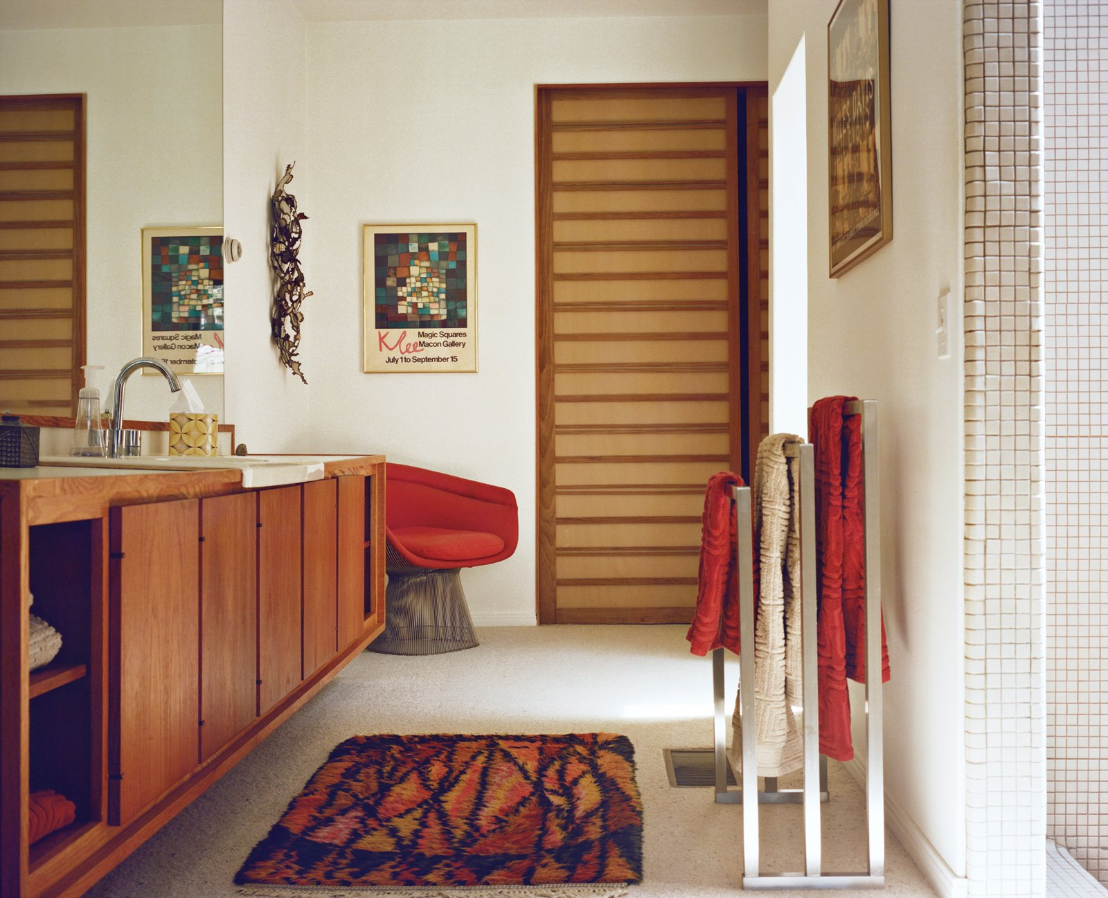 Warren Platner, though, gets the credit for the Wire series lounge chair for Knoll in the bathroom.