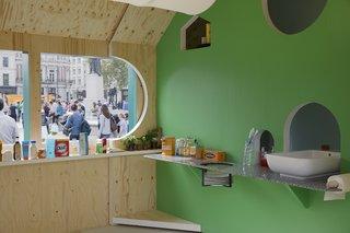 Four Designers Reimagine the Home in London's Trafalgar Square - Photo 8 of 12 -