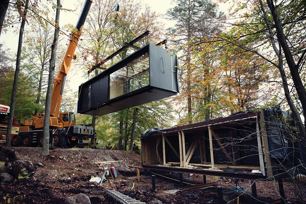 It takes three to five days to install a Vipp Shelter onsite.
