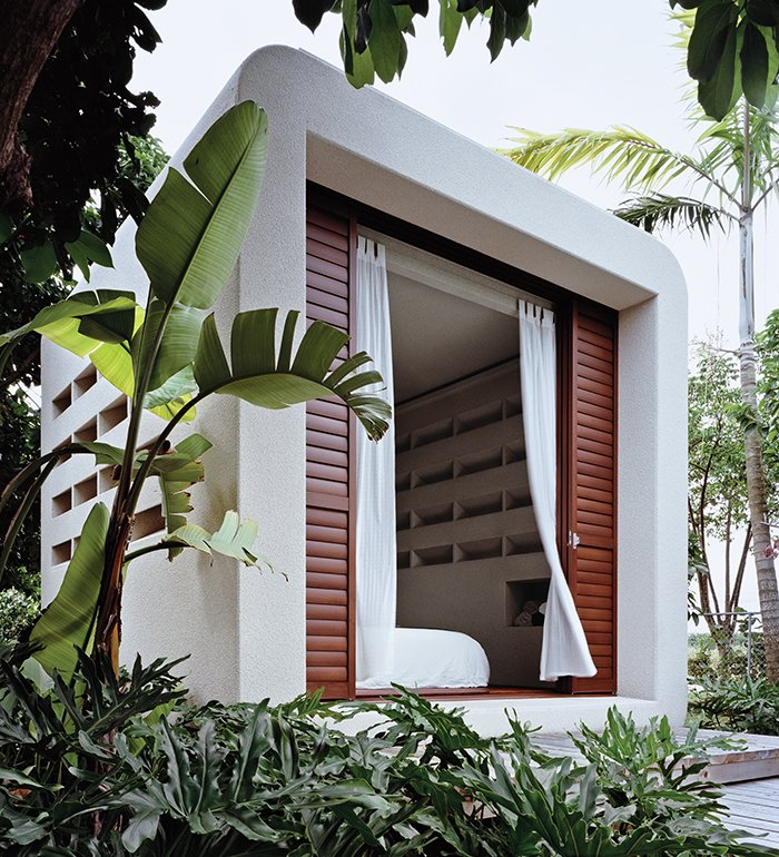 Small green and mighty hurricane proof prefab dwell for Dwell modular homes