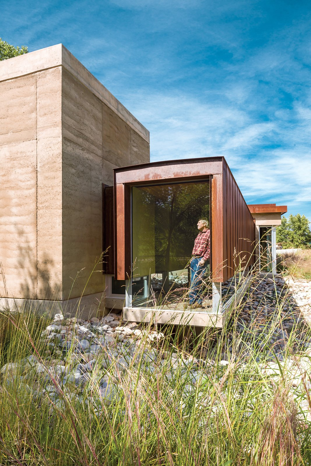 A sustainable rammed earth home in new mexico dwell for Home builders in new mexico
