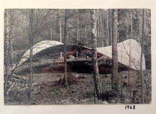 Behind the Scenes: Finnish Designer Yrjo Kukkapuro at Home - Photo 3 of 9 -