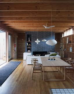 Local Wood Clads Every Surface of This Idyllic Australian Getaway - Photo 1 of 9 -