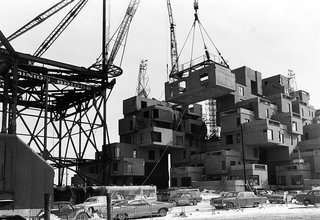 A Look Back at Habitat '67 with Moshe Safdie - Photo 2 of 6 - Construction took place from 1964 to 1967. The original project was adapted from Safdie's graduate thesis at Montreal's McGill University.