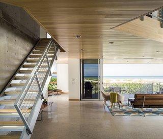 Angular Modern Beach House in Florida - Photo 2 of 10 -