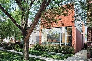 A Brick-Clad Modern Family Home in Chicago - Photo 4 of 8 -