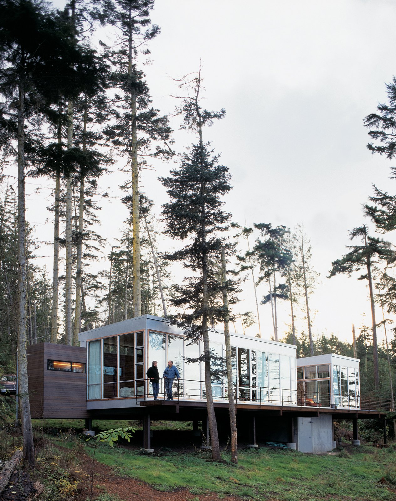 Washington state vacation home sets the stage dwell for Dwell houses