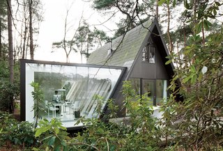 10 Modern Glass Homes