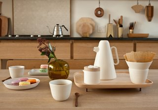 Product of the Day: Ceramic and Wood Coffee Set by Luca Nichetto - Photo 1 of 6 -