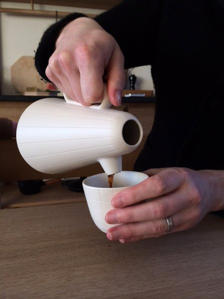 Product of the Day: Ceramic and Wood Coffee Set by Luca Nichetto - Photo 4 of 6 -