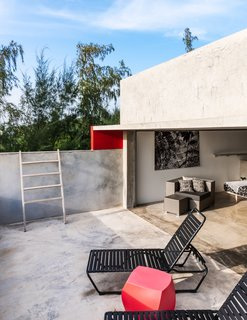 Modern Concrete Getaway in Paradise - Photo 3 of 9 -