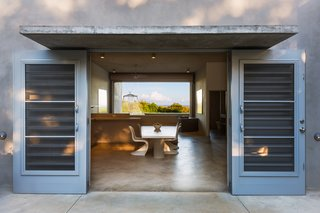 Modern Concrete Getaway in Paradise - Photo 6 of 9 -