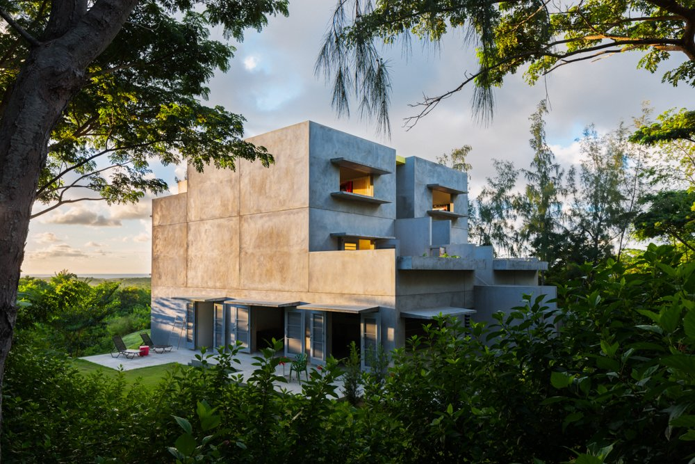 Photo 8 of 9 in Modern Concrete Getaway in Paradise