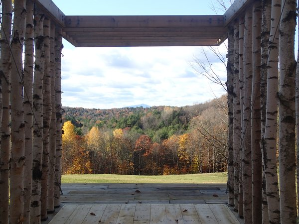 The pavilion frames a view of the peak of Mt. Ascutney, 25 miles in the distance. Photo courtesy of Moskow Linn Architects.