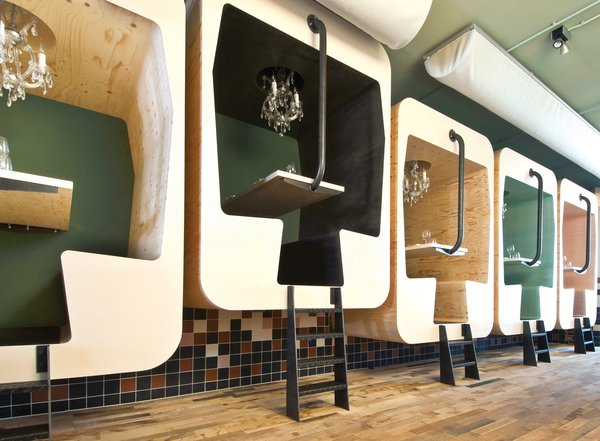 Frank Tjepkema's freestanding Il Treno was first designed in 2011 as a fixed booth for Fabbrica Restaurant in Norway.