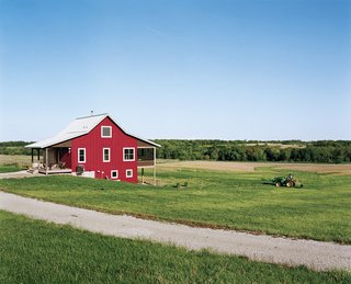 20 Modern Homes From the Midwest - Photo 19 of 20 - Geoff and Joanna Mouming's compact modern farmhouse is the first permanent structure at Yum Yum Farm in Wellman, Iowa. On the field that stretches out before it, organic vegetables will soon make attentive farmers of the Moumings.