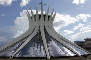 Design Icon: Oscar Niemeyer - Photo 4 of 10 -