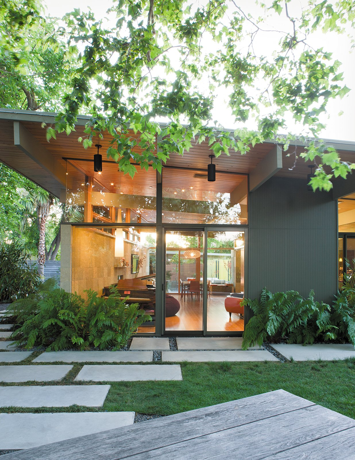 Photo 5 Of 8 In 7 Modern Eichler Renovations In California From Creative Landscape Design For A