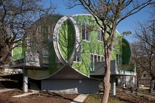 Maggie's Centres: A Blueprint for Cancer Care - Photo 5 of 14 - Maggie's Nottingham exterior. Architect: Piers Gogh, CZWG Architects. © Martine Hamilton Knight