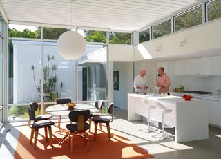 This Sparkling New Home Is a Perfect Remake of Classic Sarasota School Modernism - Photo 2 of 13 -