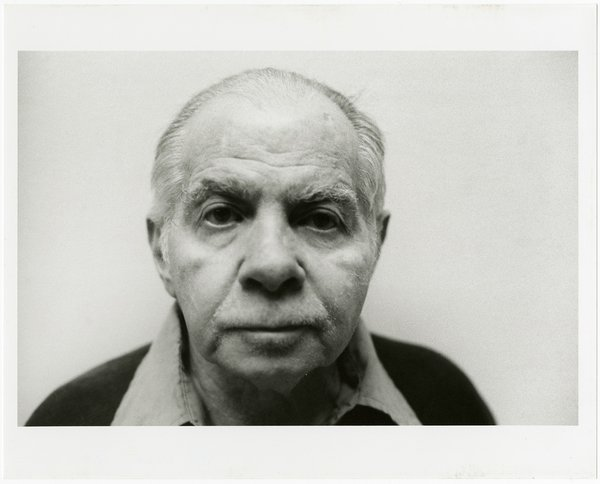Lucio Pozzi, Portrait of Herbert Vogel, 2001, black-and-white photograph. Bowdoin College Museum of Art, Brunswick, Maine, Dorothy and Herbert Vogel Collection Vogel Collection. © Pozzi 2001