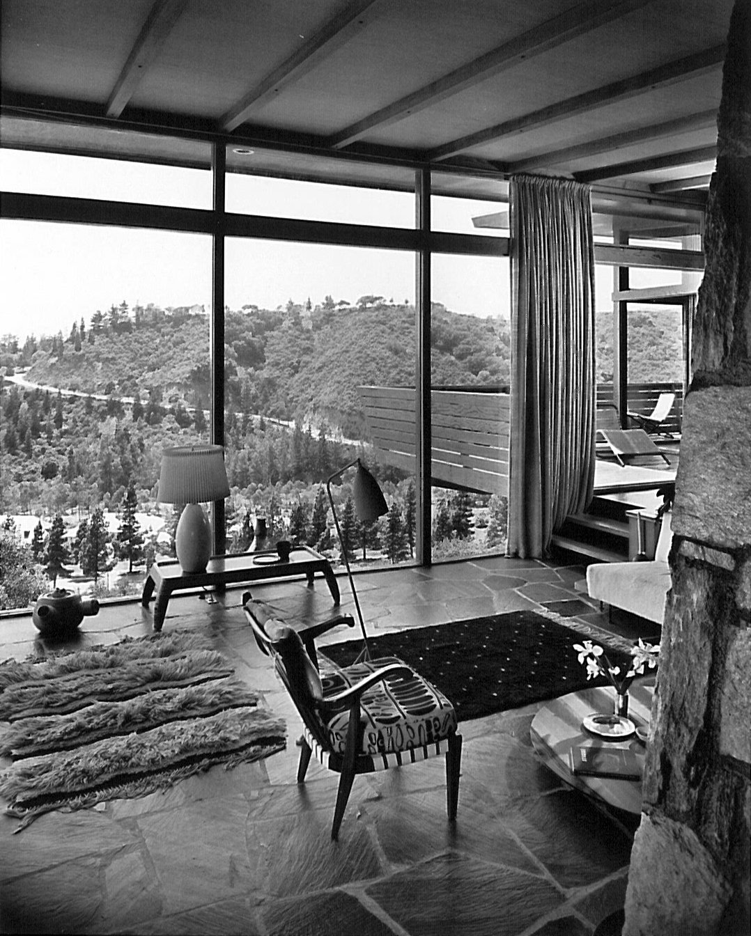 The interior of Grossman's home. Photographed by Julius Shulman. Design Icon: Greta Grossman - Photo 4 of 8