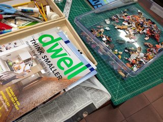 Glass Sculptures Use Magazines as Art - Photo 3 of 6 -