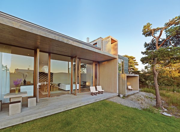 A pine box vacation home in sweden dwell for Dwell house plans