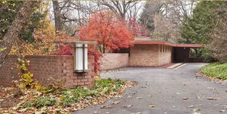 Accessible Frank Lloyd Wright House in Illinois Is Reborn as a Museum - Photo 7 of 8 -