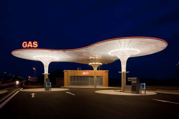Arguably a symbol of American modernism, these eight high-design gas stations will make you reconsider your next pit stop. Via Architizer