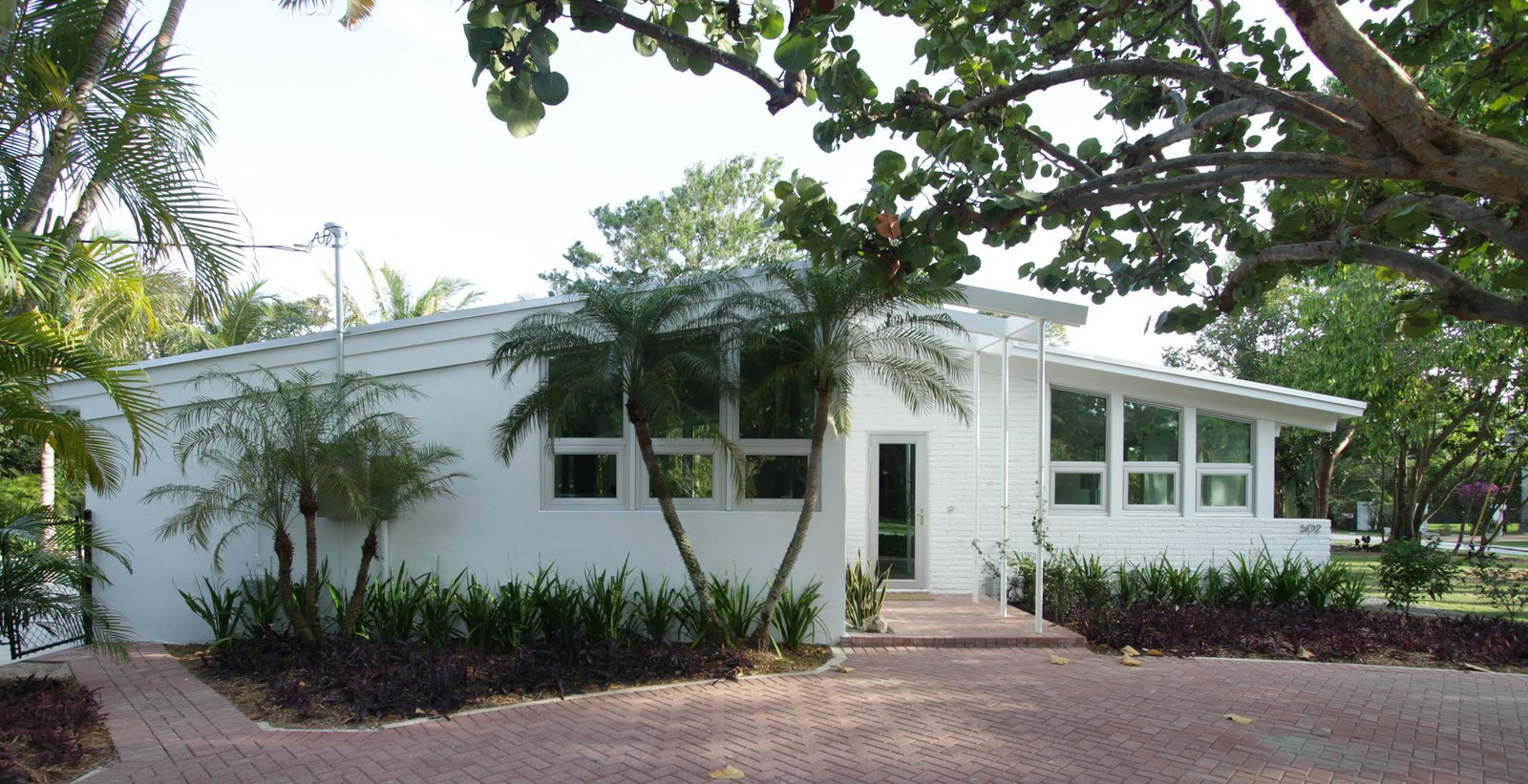 a mid century modern renovation in palm beach county