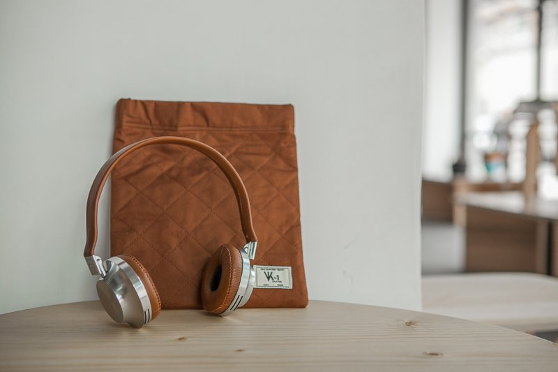 Aëdele VK1 Classic Edition headphones at Austere, Los Angeles.