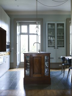 A Gracious London Terrace House Is Reborn with Salvaged Materials - Photo 4 of 12 -