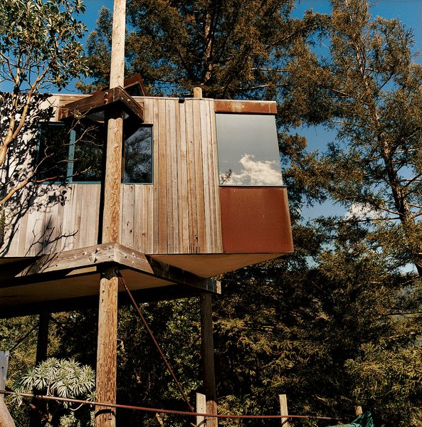 The Treehouse, also part of the Post Ranch Inn, features Cor-ten panels.
