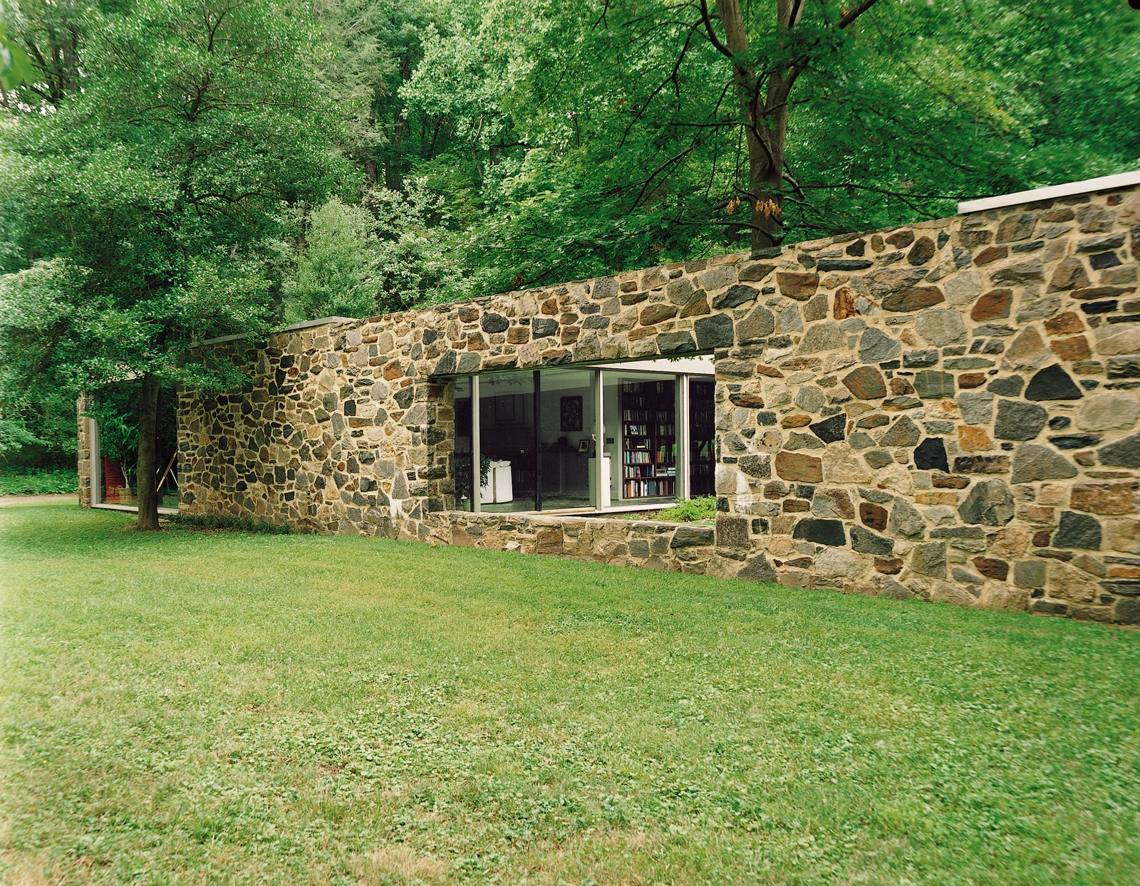 Marcel breuer hooper house ii dwell for Modern homes in maryland