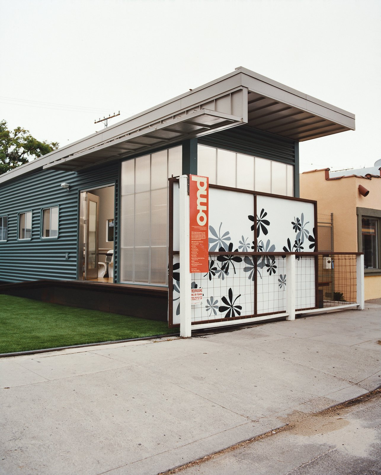 "Jennifer Siegal's other house is the portable ShowHouse, a 720-square-foot example of her factory-built prefab housing, wedged in among the boutiques and coffee bars on trendy Abbott Kinney Boulevard in Venice. ""I set it up so people would have a place to come and kick the tires,"" Siegal jokes. ""What does modern prefab feel like?"" Tagged: Outdoor and Living Space.  Photo 10 of 14 in Method Lab"