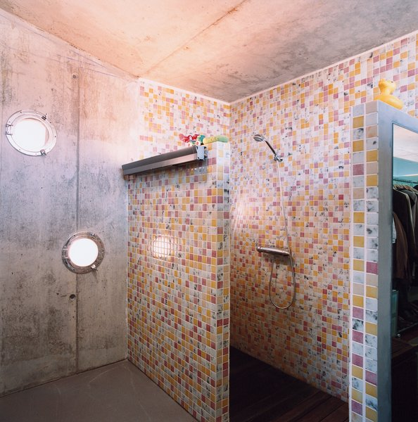 Cloud9's Manel Soler Caralps, who completed the home's interior design, created the tile pattern in the shower.