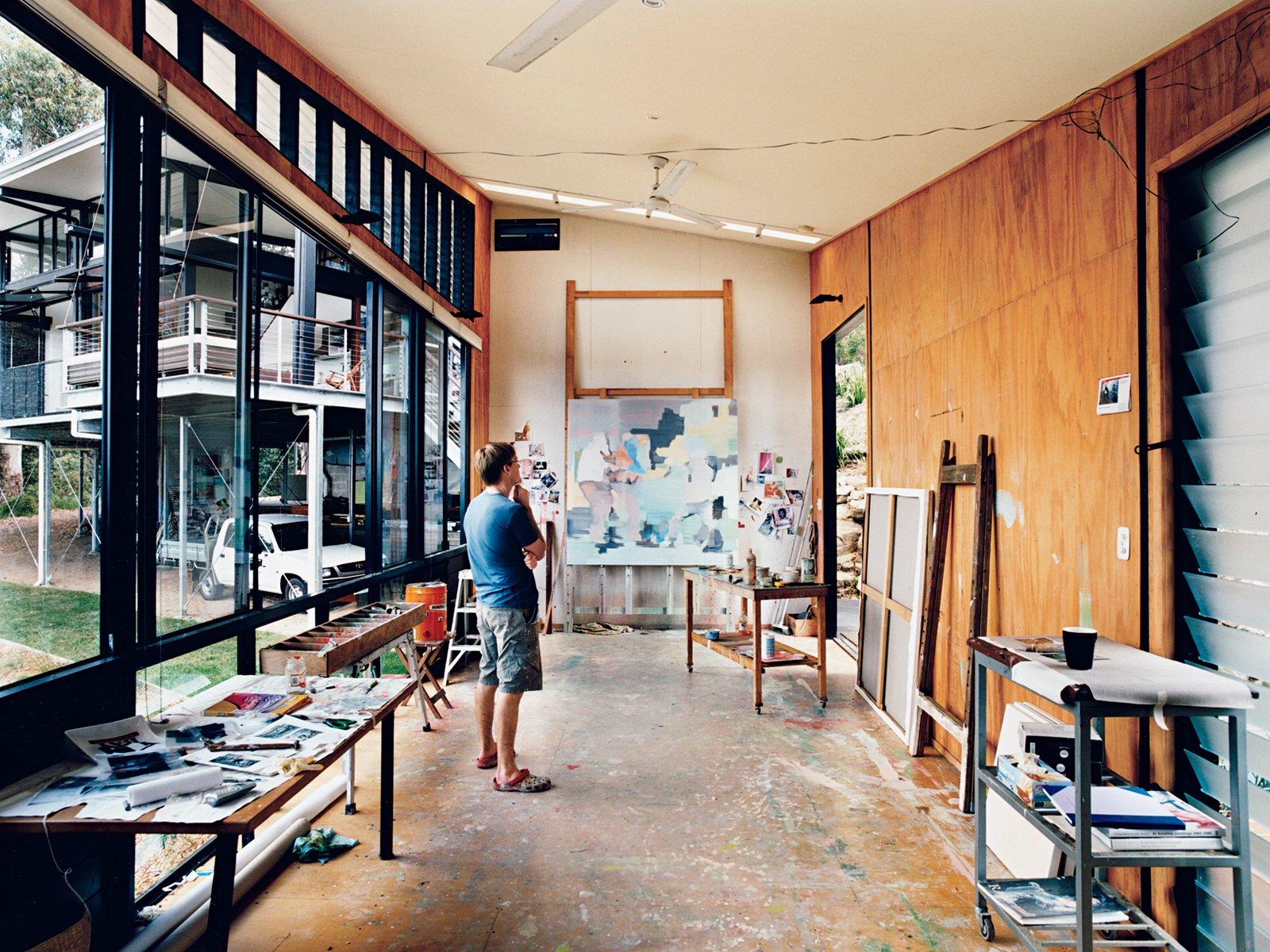 Photo 6 of 12 in hillside family home in australia dwell for Studio interior design brescia