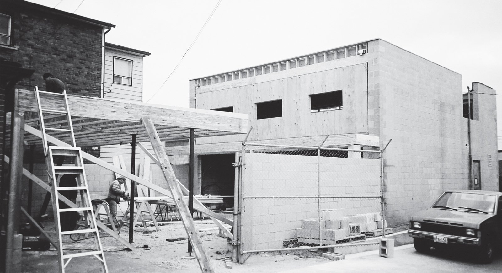 A photograph from 2002 shows the renovation in progress.