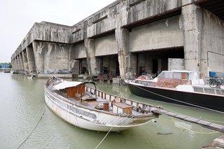 Bordeaux, France - Photo 8 of 9 -